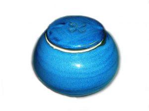 Round lidded urn